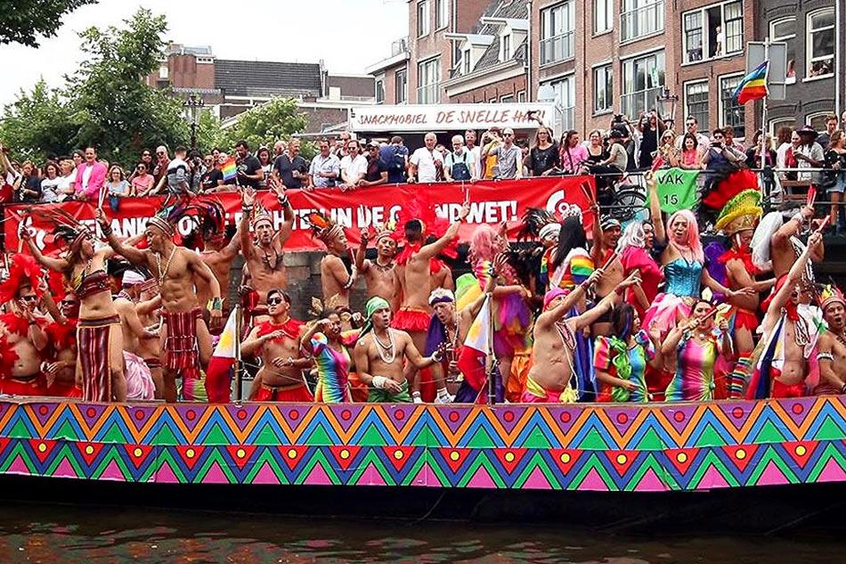 Hollanda'da Eşcinsel Evlilik